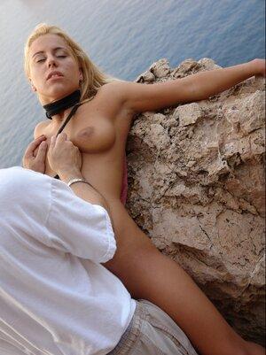 Slender man brings tanned blonde to a secluded place and fucks tight snatch